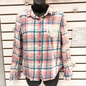 🍀4/$20 Paper Tee Plaid and Lace Button Down Top